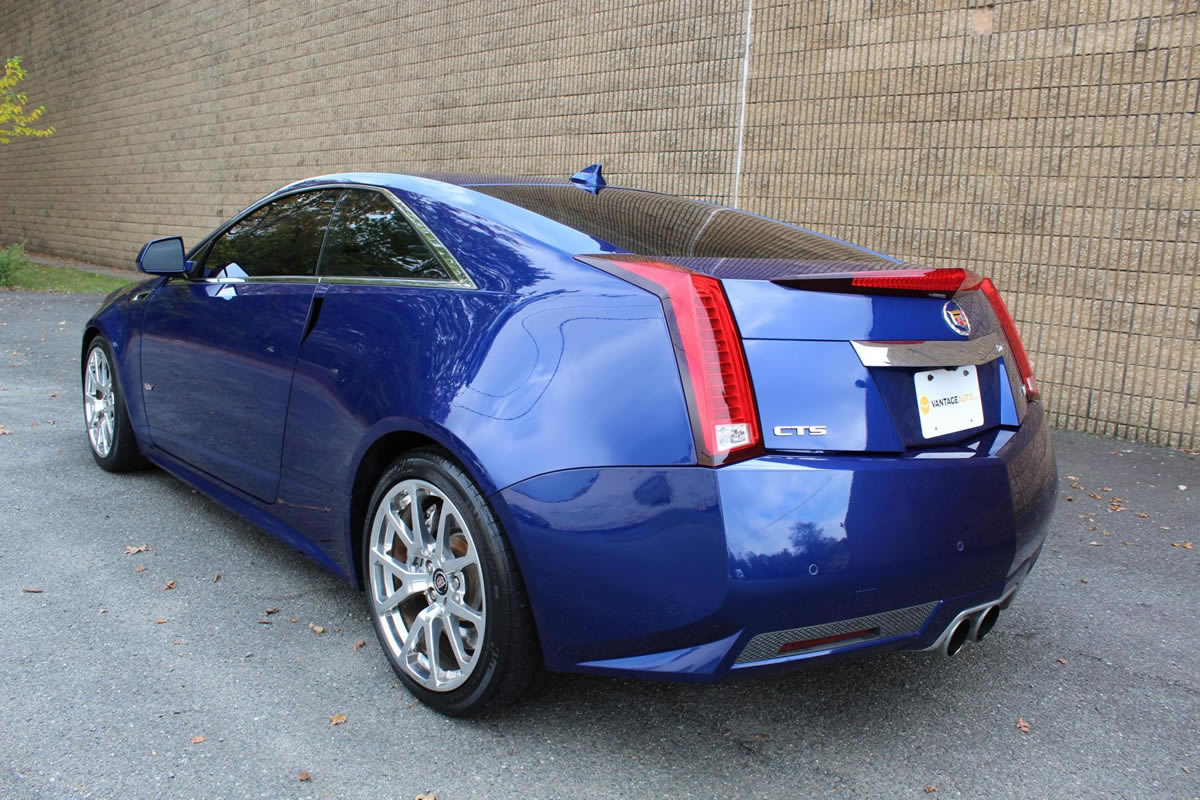 2012-cadillac-cts-v-coupe-opulent-blue-6.jpg