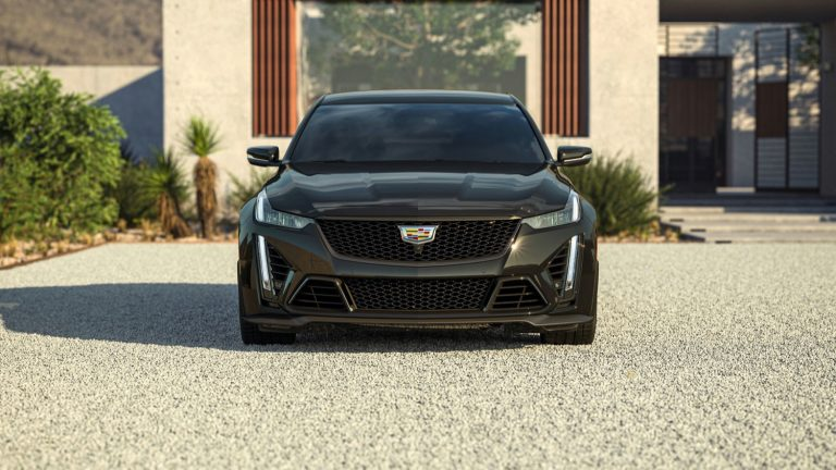 2022-Cadillac-CT5-V-Blackwing-in-Black-Raven-GBA.jpg