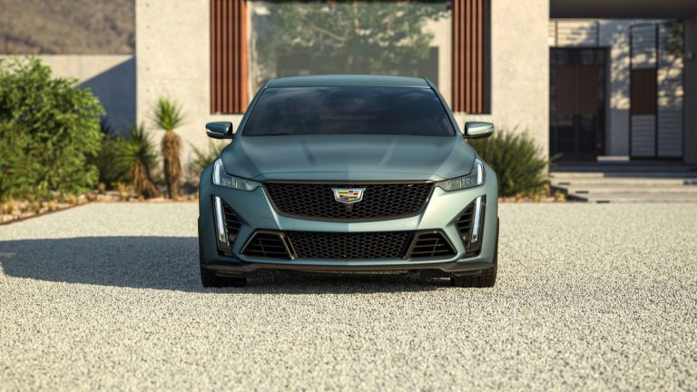 2022-Cadillac-CT5-V-Blackwing-in-Dark-Emarld-Matte-G7W.jpg