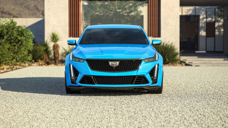 2022-Cadillac-CT5-V-Blackwing-in-Electric-Blue-GMO.jpg
