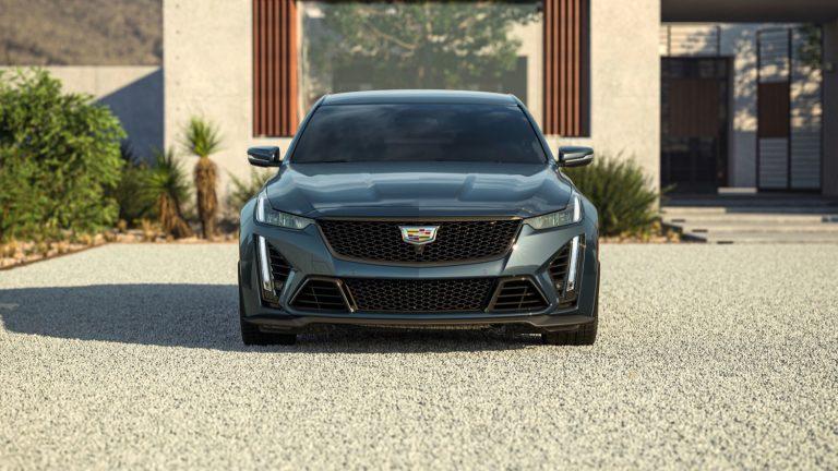 2022-Cadillac-CT5-V-Blackwing-in-Shadow-Metallic-GJI.jpg