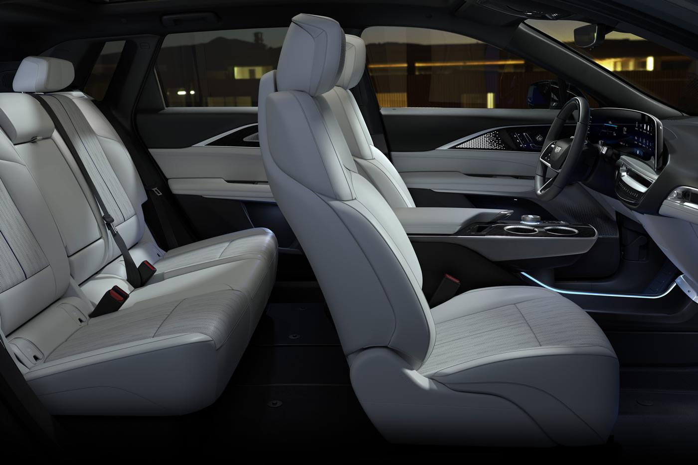 2023-Cadillac-LYRIQ-021.jpg