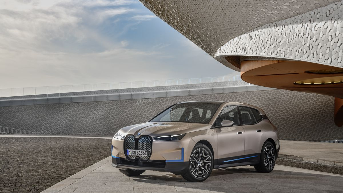 The_first_BMW_iX_Highlights_2.0.jpg