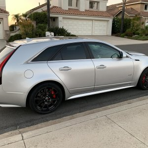 2013 Cadillac CTS-V Wagon in Radiant Silver Metallic