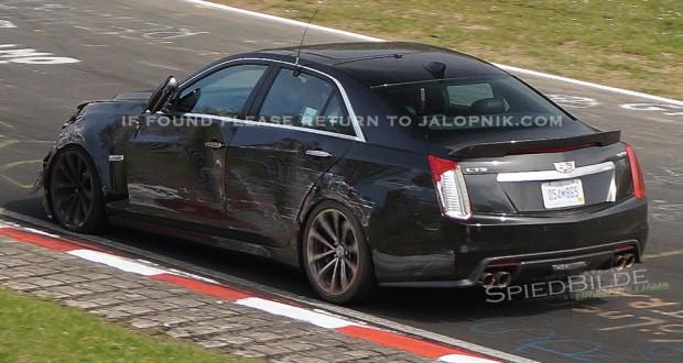 2016 Cadillac CTS-V Prototype Crashes on the Nurburgring