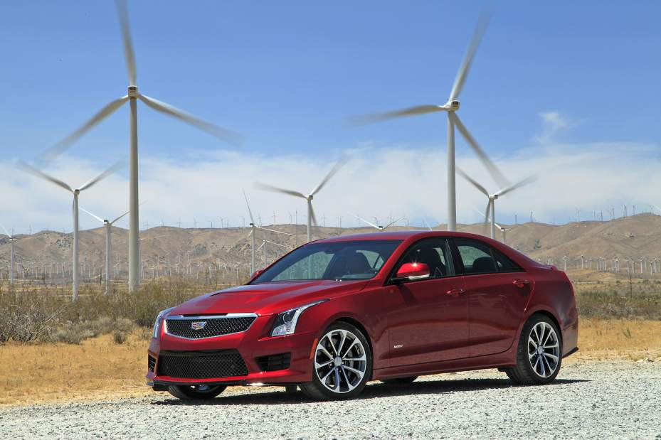 Review:  High-performing, fast Caddy at home on track