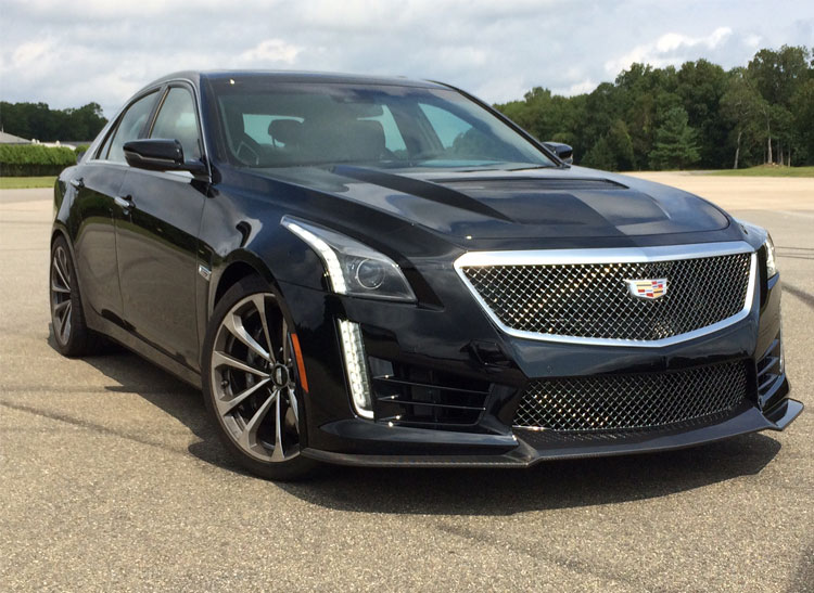 Consumer Reports – Piloting the 640-hp Cadillac CTS-V Super Sedan